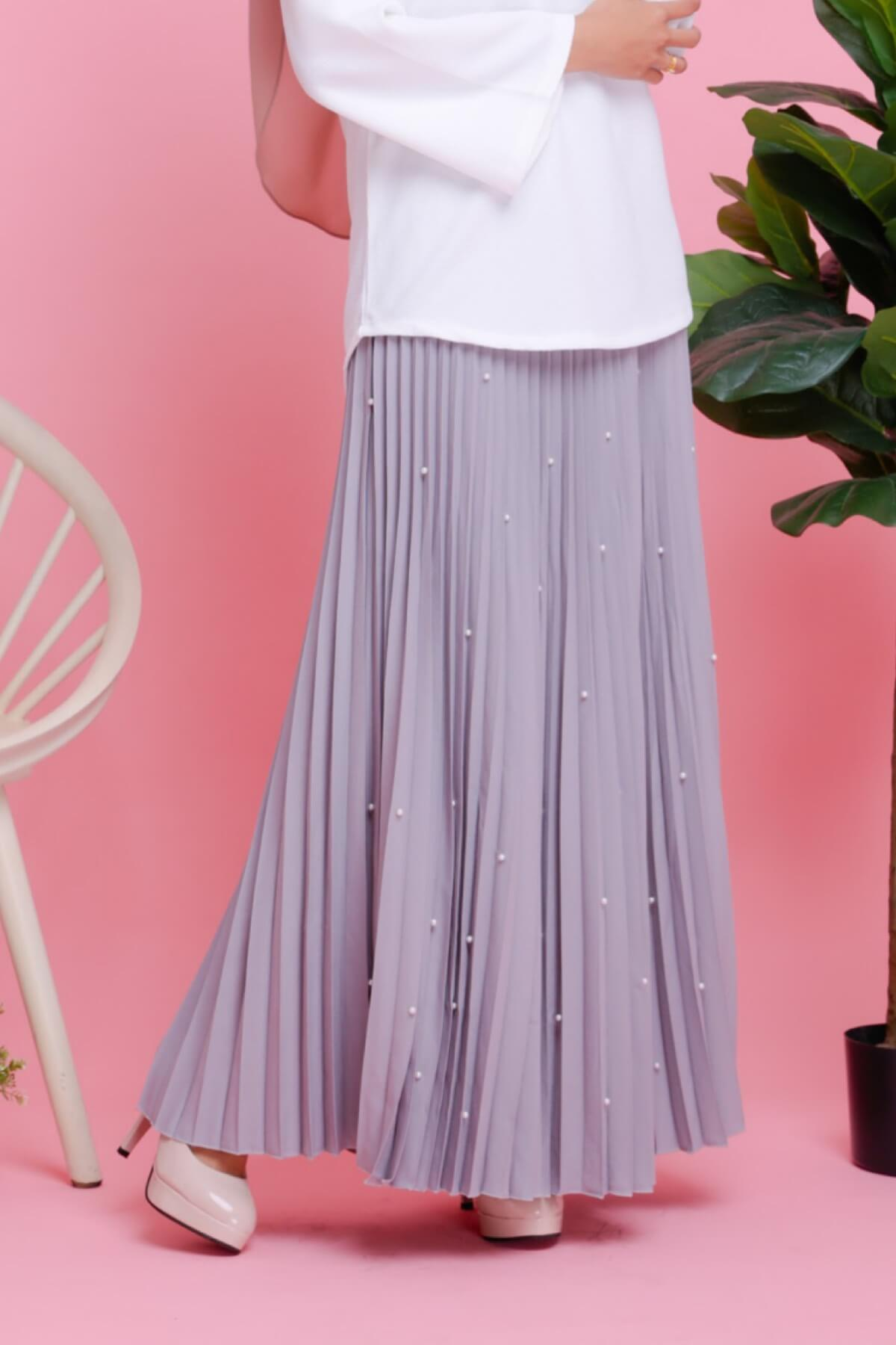 Pearl Crepe Pleated Skirt Grey