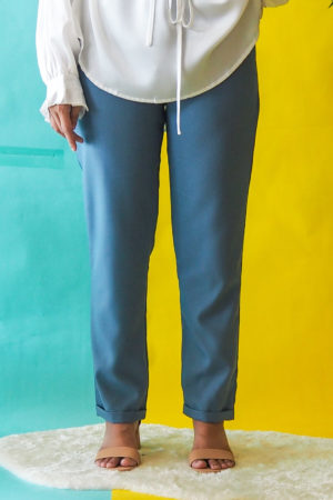 TAPERED FOLD PANT IN BLUE