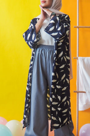 MIDI FEATHER CARDIGAN IN NAVY BLUE