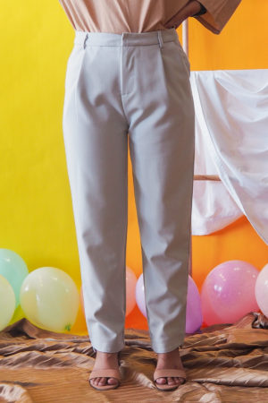 CASUAL PANT IN LIGHT GREY