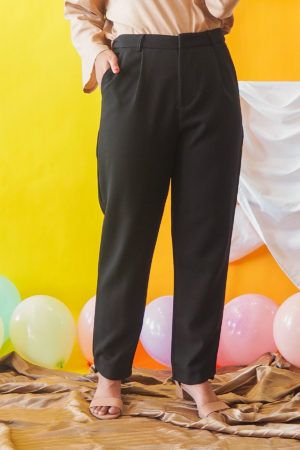 CASUAL PANT IN BLACK