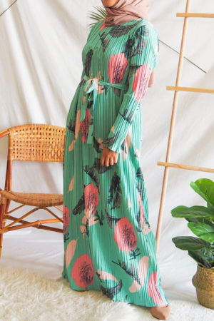 FLORAL PLEATED DRESS IN SEA GREEN