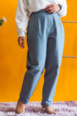 ZIPPED COTTON PANT WITH BELT IN TURQUOISE